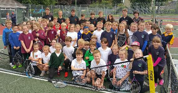 Sunshine encourages sporting activity for youngsters
