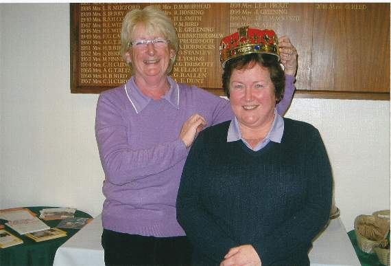 Popular four ball better ball at Tavistock Golf club while Marian takes 'the crown'